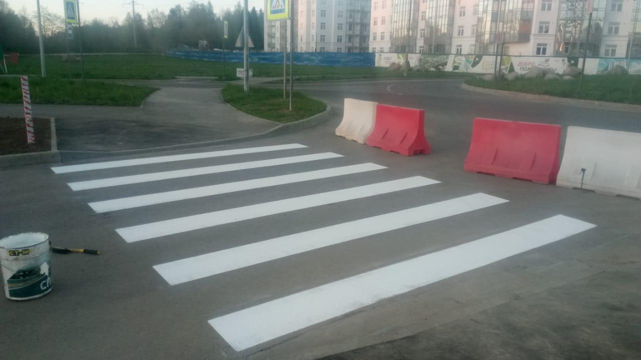 Нанесение дорожной разметки на объекте торговли товарами первой необходимости в ЖК «Новое Сертолово»)
